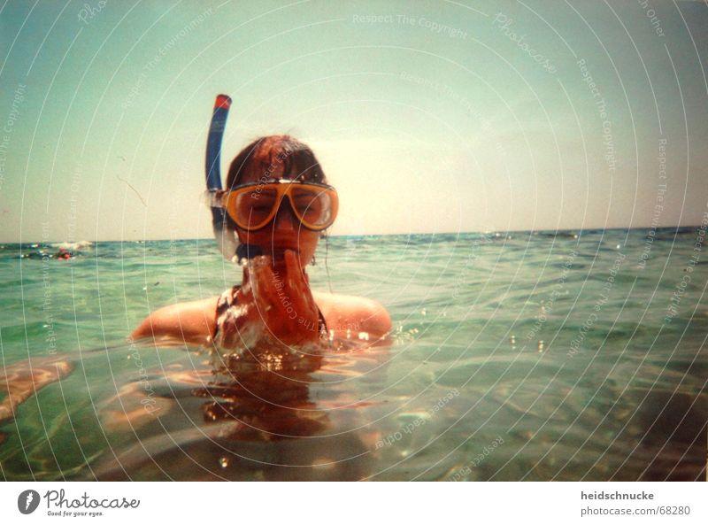 Ahoihoi Schwimmen & Baden tauchen Schnorcheln Meer Sonne Erholung Unbekümmertheit Ferien & Urlaub & Reisen Freude nass Wasser Taucherbrille Meerwasser blau
