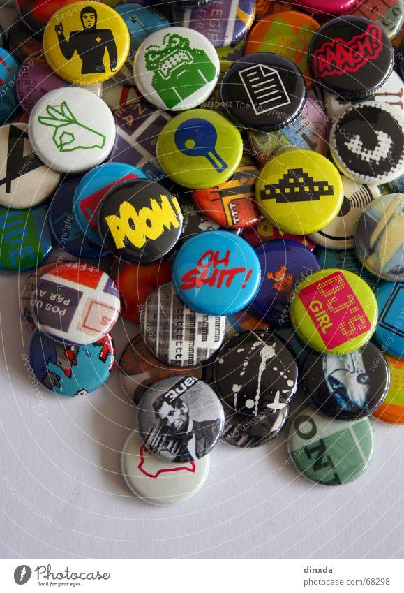 push the button die zweite Anstecker Popmusik mehrfarbig retro old-school Anstecknadel Pop-Art Popkultur