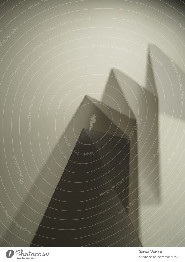 geduldig weiß ruhig schwarz Berge u. Gebirge Wege & Pfade grau Kreativität Papier Falte durchsichtig filigran Zacken Zickzack Umweg