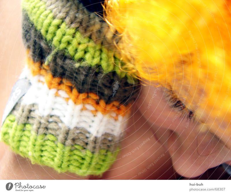 das auge-der clown zwei Perücke gelb Handschuhe mehrfarbig gestrickt weiß schlafen ruhig Finger Wimpern unten Eyecatcher demütig gebeugt Haare & Frisuren orange