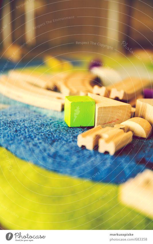 spielzeug kita kindergarten bauklötze Kind Freude Bewegung Spielen Holz Zufriedenheit Freizeit & Hobby frisch Fröhlichkeit lernen Eisenbahn berühren fahren Bildung Spielzeug Kindergarten