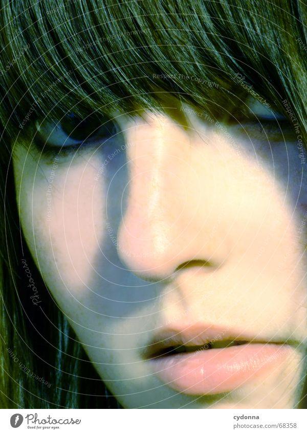 Gesicht I Kosmetik Frau Stil Model Porträt Haare & Frisuren retro vergangen stumm schön session Mensch Kontrast Blick Gesichtsausdruck Kopf Schatten ponny
