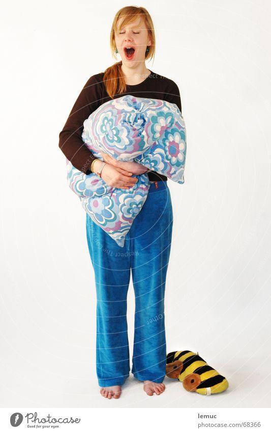 müüüüüüüüüüüüüüüüde Frau schlafen süß Kissen Müdigkeit aufwachen Schlafanzug Kopfkissen