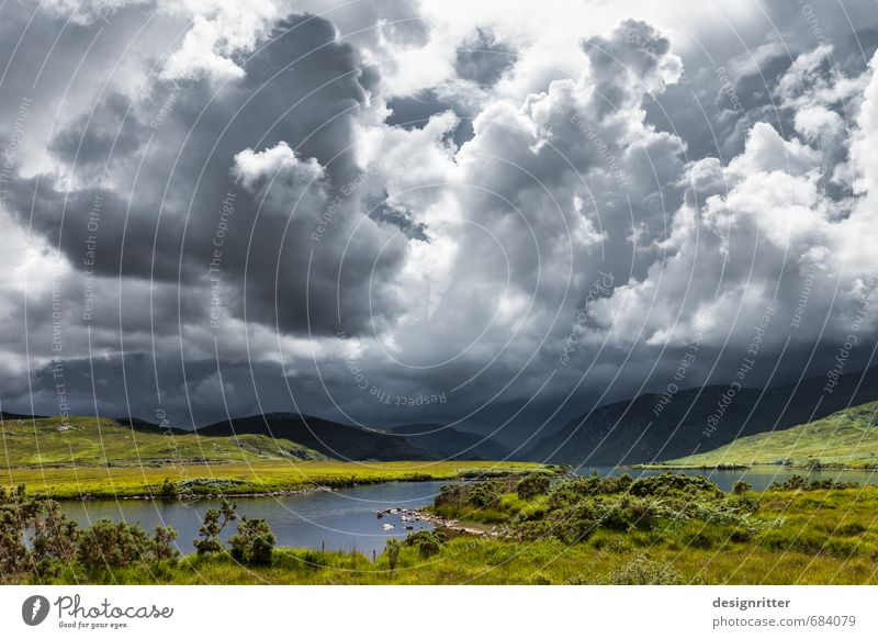 Heiter bis wolkig Ferien & Urlaub & Reisen grün Pflanze Sommer Wolken dunkel Berge u. Gebirge Gras grau See Wetter Regen Kraft Sträucher Klima Europa