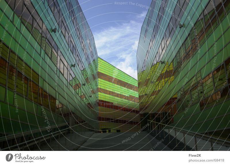 architektur almere Almere Fassade regenbogenfarben Gebäude Fluchtpunkt Perspektive modern Architektur