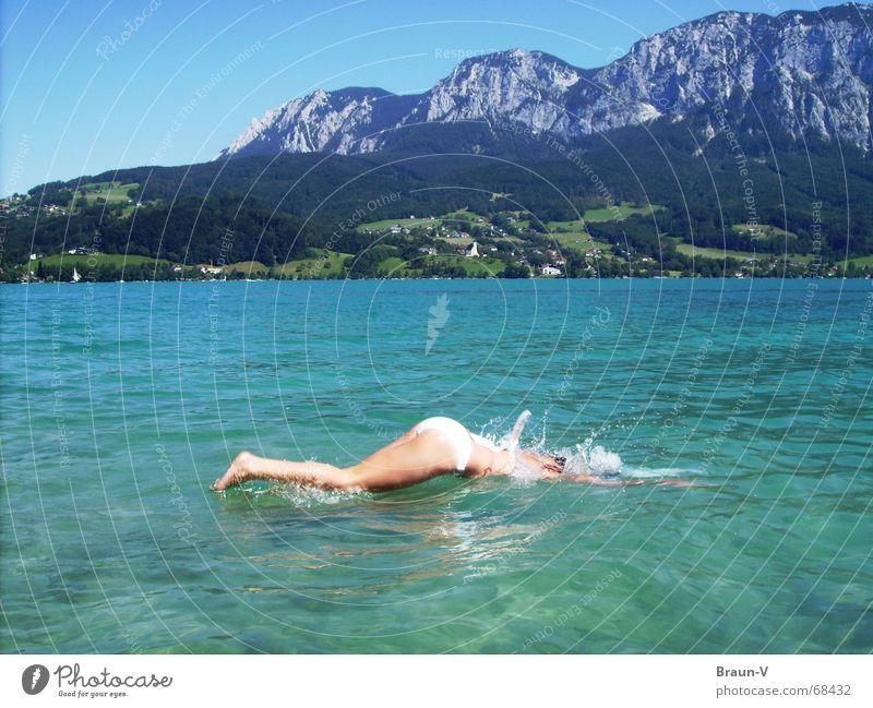 Platscher =D Wasser Sommer springen Berge u. Gebirge See Beine Rücken Schwimmen & Baden Bikini