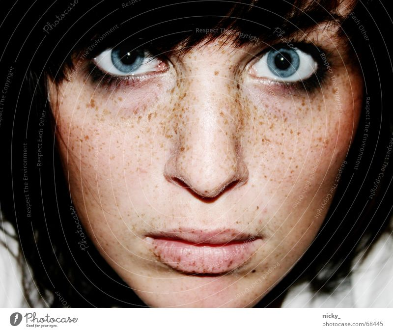 is doch klar.. Frau Selbstportrait Wange Sommersprossen Lippen Hardcore leer Meer tief face Gesicht woman Farbe Blick blau Auge Nase Mund Haare & Frisuren hair
