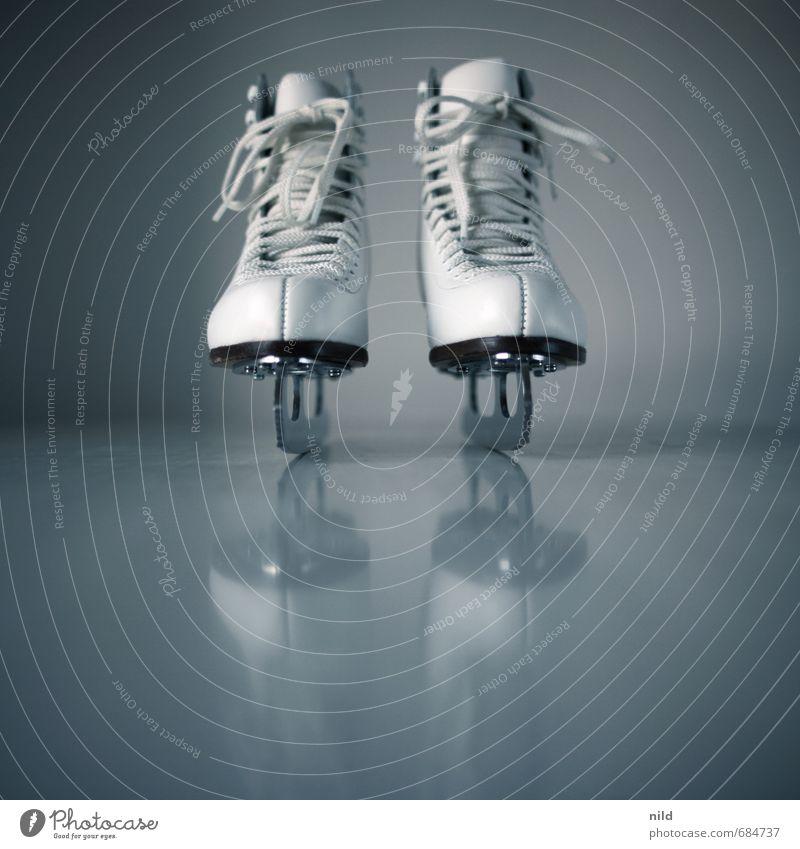 Eisprinzessin blau weiß Freude Sport Stil grau Freizeit & Hobby Lifestyle elegant Schuhe laufen Fitness fahren sportlich Sport-Training Wintersport