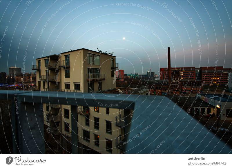 Mond über dem Spreefeld Architektur Berlin Deutschland Gebäude Hauptstadt Haus Himmel Sehenswürdigkeit Skyline wallroth Wolken Geländer Treppengeländer