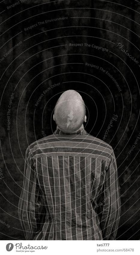 Hans guck in die Luft Rücken Ohr Kurzhaarschnitt Hinterkopf