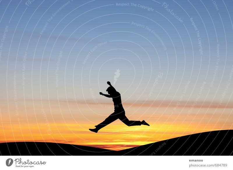 Übersprungshandlung Mensch Himmel Jugendliche Ferien & Urlaub & Reisen Mann Sommer Sonne Landschaft Wolken Freude Ferne Erwachsene Berge u. Gebirge Sport