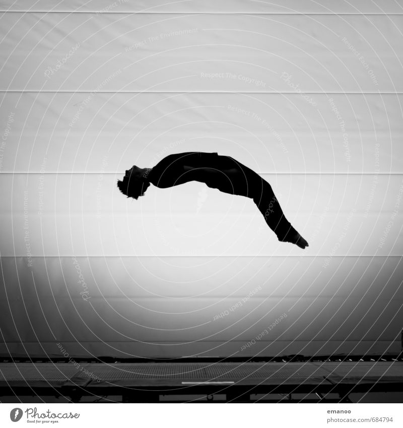 Männlein flieg. Stil Freude Sport Fitness Sport-Training Sportler Mensch Mann Erwachsene Jugendliche Körper 1 drehen fallen fliegen springen ästhetisch