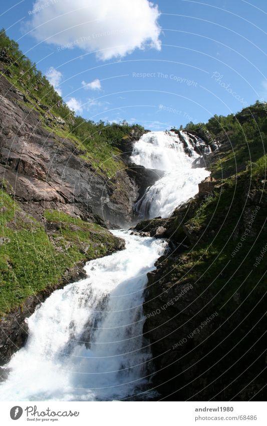 Wasserfall in Norwegen Natur Himmel Wolken Wiese Berge u. Gebirge Stein Fluss Alpen Schlucht