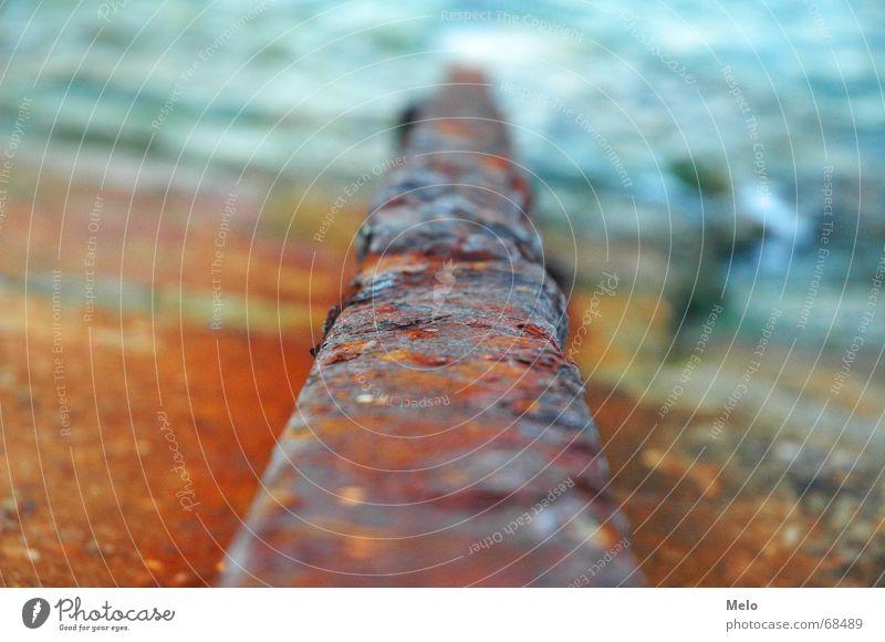 Klenovica I Meer rot Strand orange Eisenbahn verfaulen Gleise Rost