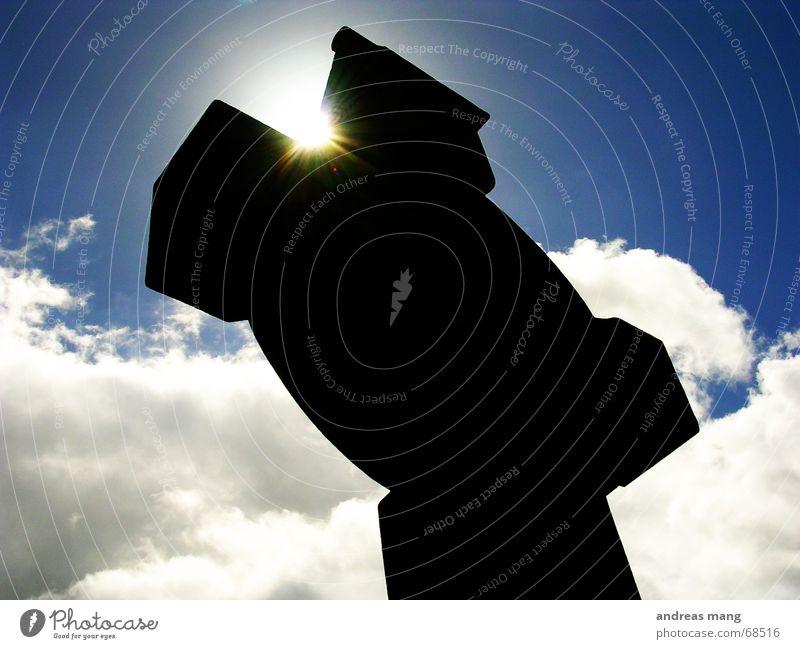 Cross in the sky Himmel Sonne blau schwarz Wolken Rücken Strahlung Kelten