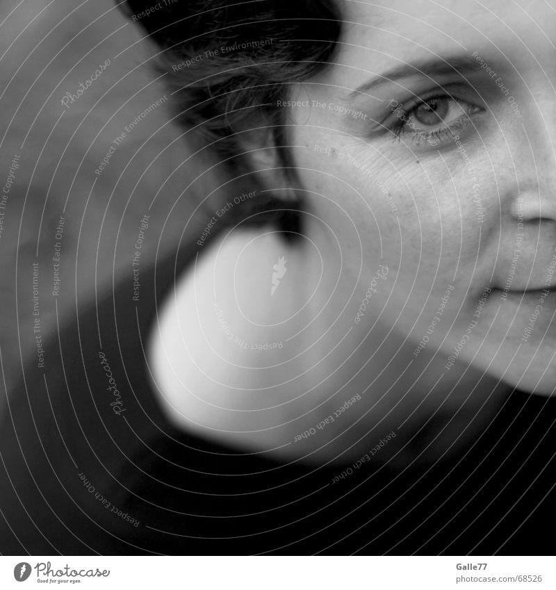 Eye Porträt schwarz weiß dunkel ruhig Auge Anschnitt Haarschnitt Teile u. Stücke Kopf Blick hell