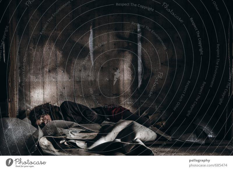 homeless II Mensch Frau Jugendliche Junge Frau Einsamkeit Haus 18-30 Jahre Erwachsene Leben Traurigkeit Gefühle feminin Stimmung Wohnung Häusliches Leben Körper