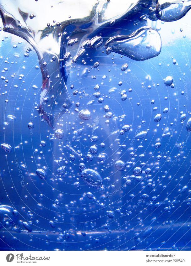 """""""igel look"""" blau Wasser Stil Luft Hintergrundbild Glas laufen Kreis rund Reinigen Klarheit Sauberkeit Konzentration Flüssigkeit Kosmetik Trinkwasser"""