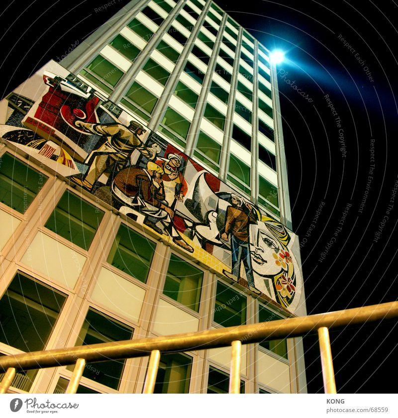 haus des lehrers Nacht Stadt Hochhaus Alexanderplatz Fenster Berlin suchscheinwerfer night architecture Architektur