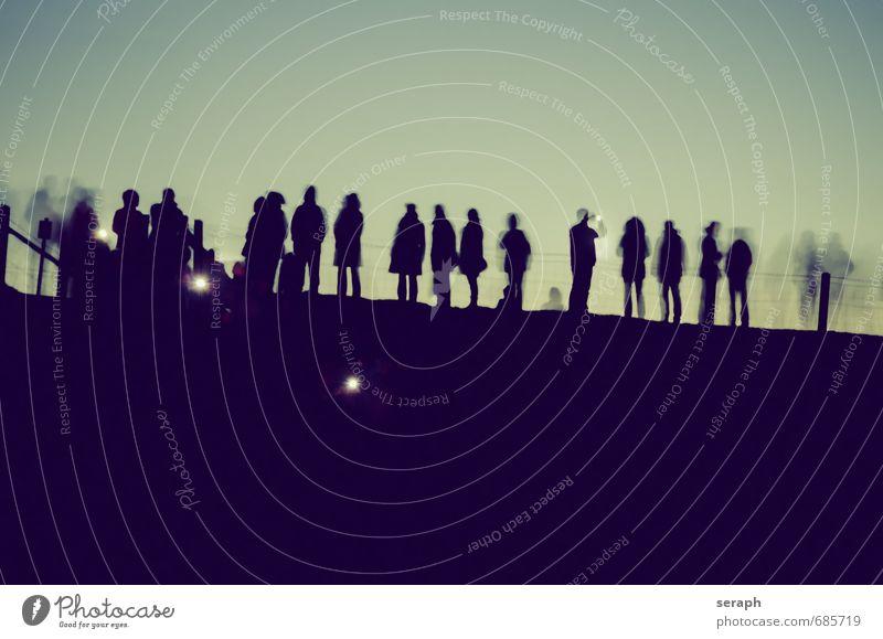 Zuschauer Nacht Licht Außenaufnahme Tradition Zeremonie Festakt Ritual Geister u. Gespenster spukhaft Taschenlampe Feste & Feiern Publikum Mensch Festspiele