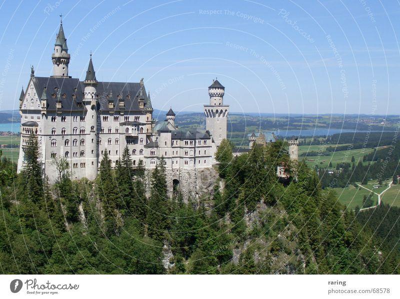 Neuschwanstein Tourismus Kitsch Burg oder Schloss Bayern Märchenschloss