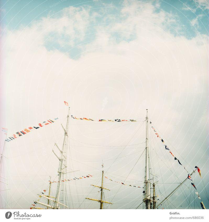 Schiff Ahoi! Ferien & Urlaub & Reisen Tourismus authentisch retro Güterverkehr & Logistik Hafen Fahne Schifffahrt Mobilität Tradition Mast Hafenstadt Klischee
