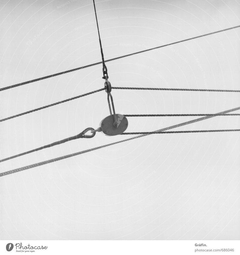 Schiff Ahoi! Ferien & Urlaub & Reisen weiß schwarz grau Linie Seil retro historisch Güterverkehr & Logistik Schifffahrt Kontrolle Tradition Nostalgie Kreuzfahrt