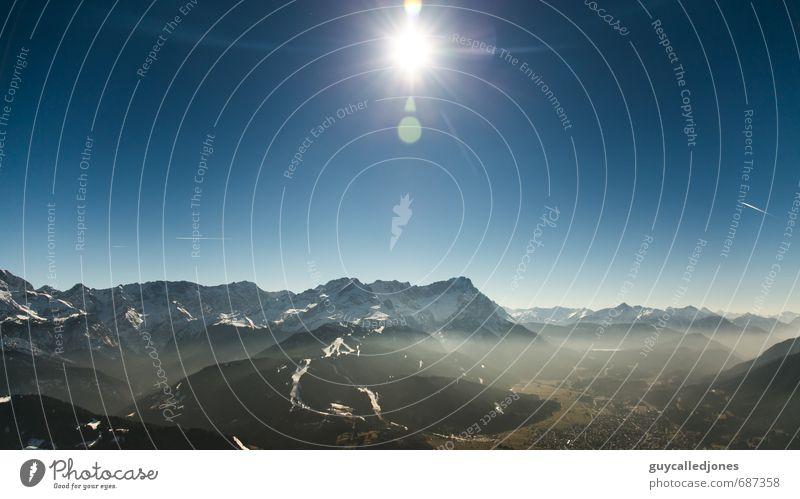 Zugspitze Ferien & Urlaub & Reisen Tourismus Ausflug Abenteuer Sommer Sonne wandern Umwelt Natur Landschaft Wolkenloser Himmel Sonnenlicht Frühling