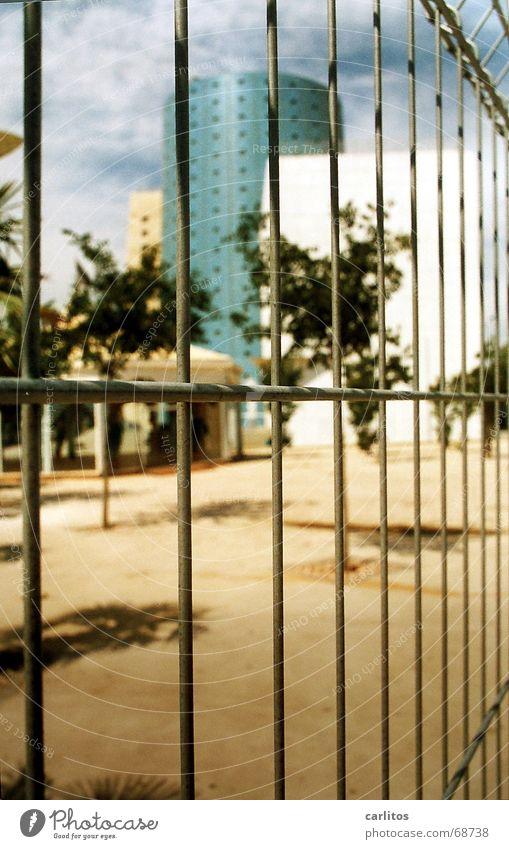 ex(po) und hopp Verfall Friseur Gitter Spanien Andalusien verschwenden nutzlos Weltausstellung Subvention Sevilla