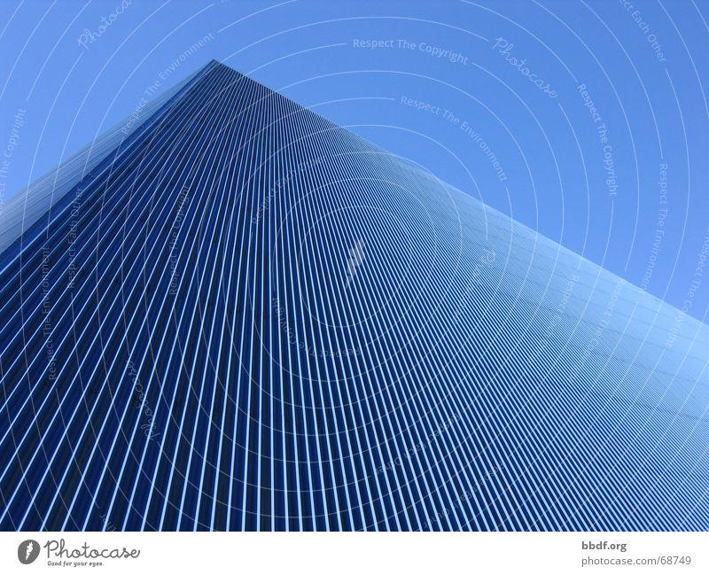 pyramide Himmel blau Dach Blauer Himmel Kalifornien Dreieck Pyramide Wellblech Blechdach Long Beach