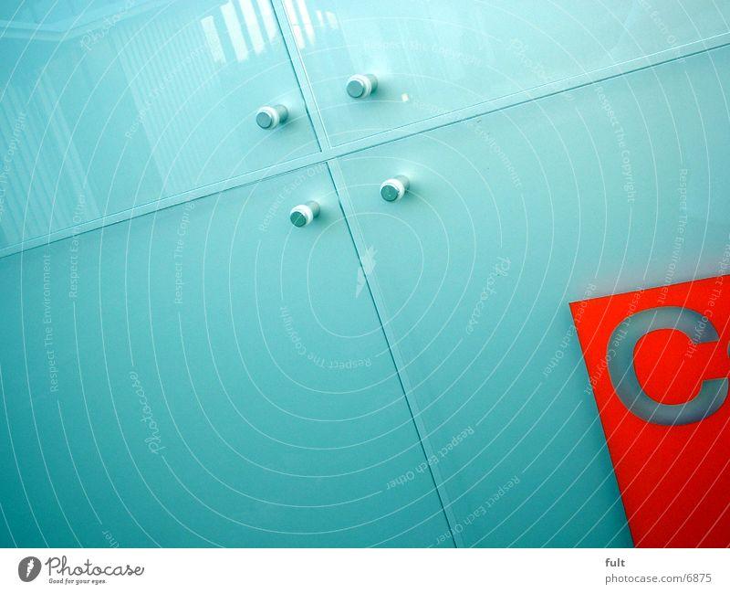 C Buchstaben rot Stil Industrie Glas