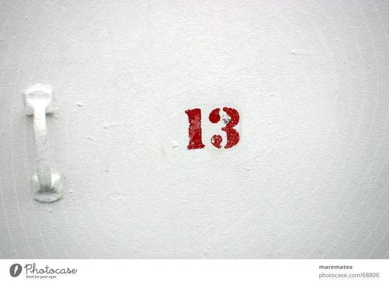 .abergläubisch? weiß rot Meer Wand See Wasserfahrzeug Tür 3 Ziffern & Zahlen Schifffahrt Eingang Griff Desaster Zehen Ausgang 10