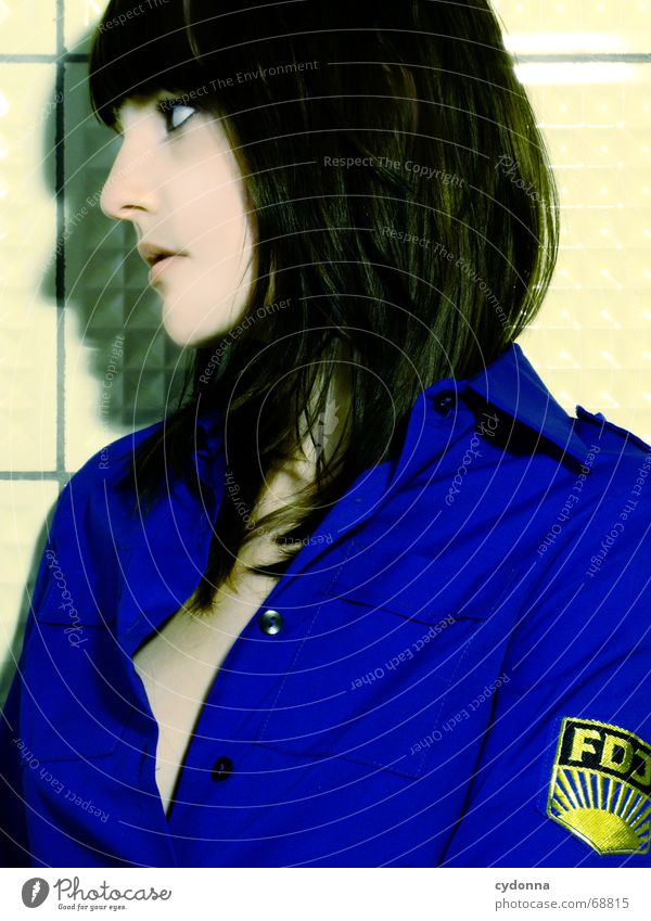 So war das in der DDR... #3 Frau Mensch schön Kopf Haare & Frisuren Stil Mode retro Model Fliesen u. Kacheln Hemd Kosmetik Gesichtsausdruck Pionier vergangen