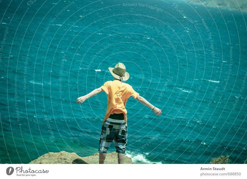 Nur fliegen ist schöner Lifestyle Ferien & Urlaub & Reisen Mensch maskulin Jugendliche 1 8-13 Jahre Kind Kindheit Natur Erde Wasser Schönes Wetter Felsen stehen