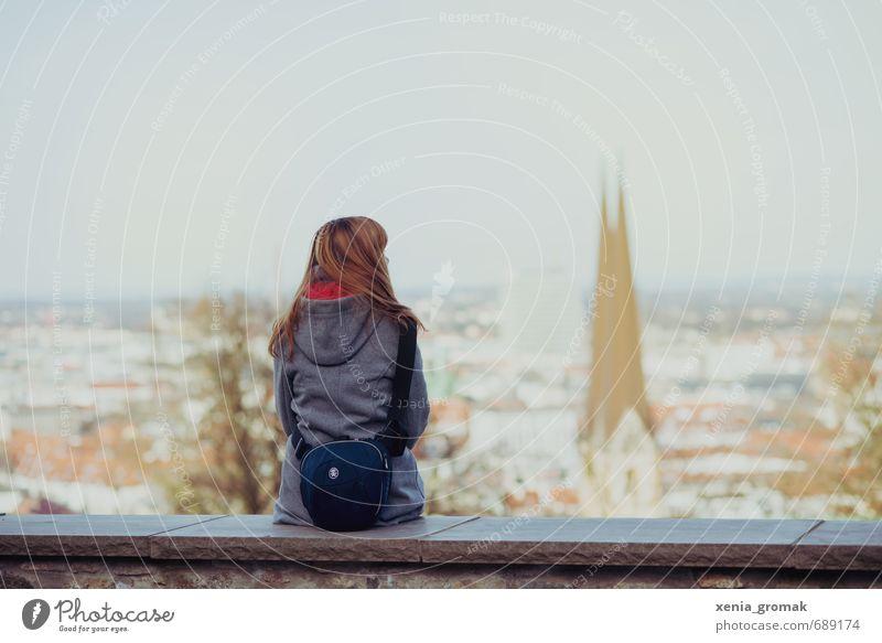 schöne Aussicht Mensch Himmel Jugendliche Ferien & Urlaub & Reisen Sonne Erholung Junge Frau Mädchen Ferne Winter feminin Herbst Frühling Freiheit Horizont