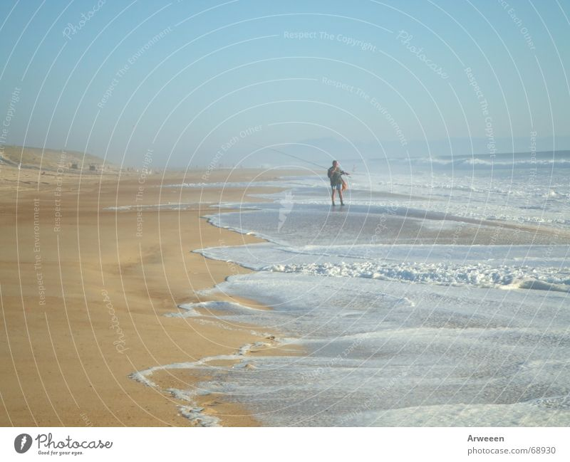 Angler am Meer Wasser Himmel Freude Strand ruhig Ferne Freiheit Sand Platz Stranddüne Atlantik Rauschen hell-blau