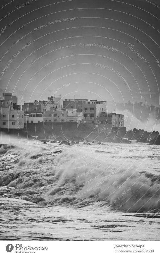 Puerto de la Cruz / Teneriffa XII Natur Stadt Wasser Meer Haus Strand dunkel Umwelt Küste Wellen ästhetisch Insel bedrohlich Skyline Sturm Brandung