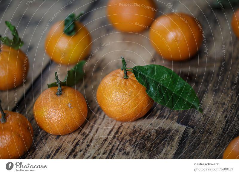 Frische Mandarinen Lebensmittel Frucht Orange Marmelade Bioprodukte Vegetarische Ernährung Diät Blatt Duft frisch saftig schön viele grün Gesundheit madnarine