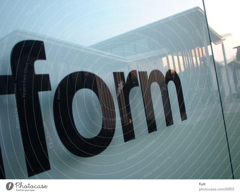 Form Stil Glas Industrie Schriftzeichen Buchstaben Werbung
