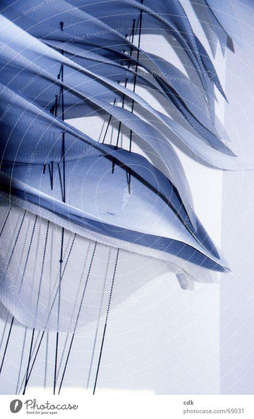 gewellt Konstruktion dreidimensional Dinge Kunstwerk Stoff fein leicht zart gekrümmt wellig flach durchscheinend aufeinander aufgespiesst Stapel beweglich Licht