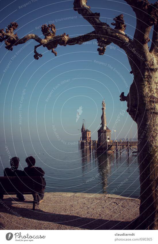 Am See Mensch Frau Natur Mann blau Stadt Wasser Baum Erholung Landschaft Erwachsene Liebe feminin Frühling Paar
