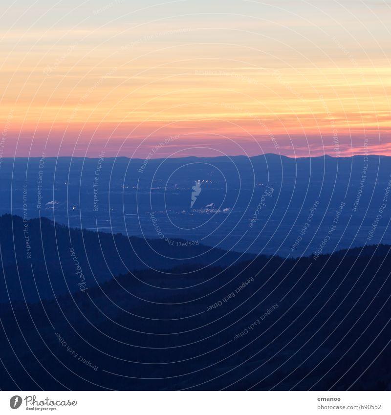 oberrheinische Tiefebene Abends Himmel Natur Ferien & Urlaub & Reisen Landschaft Wolken Ferne dunkel Wald Umwelt Berge u. Gebirge Freiheit Horizont Wetter