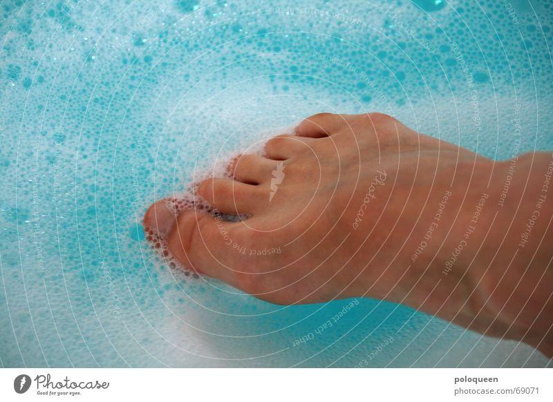 ice water Zehen Schaum Erholung Badewanne Wasser Fuß Beine blau Schwimmen & Baden Spa Fußbad Waschen Barfuß