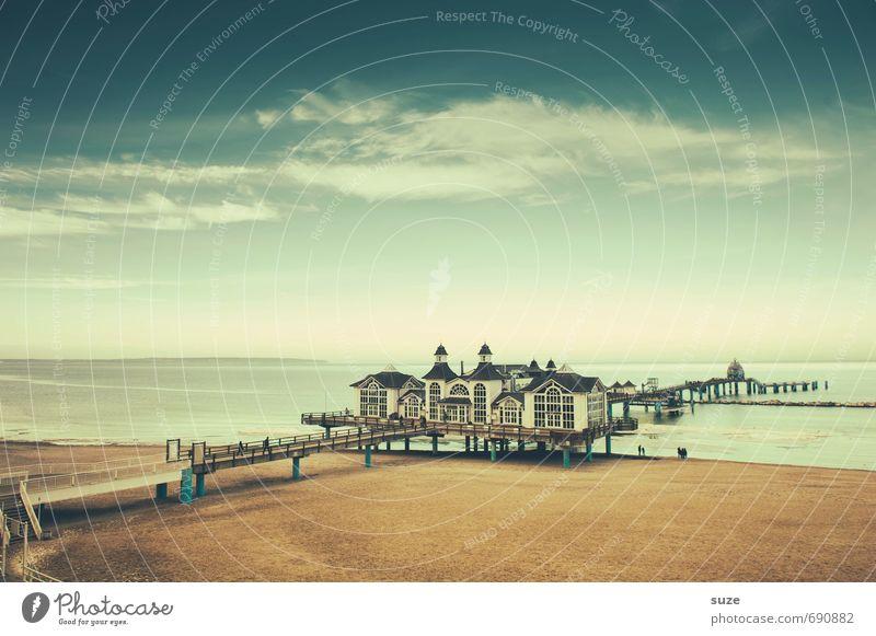 Über Umwege zum Meer Himmel Natur Ferien & Urlaub & Reisen blau Meer Erholung Landschaft ruhig Wolken Strand kalt Küste Gebäude Freiheit Stimmung Luft