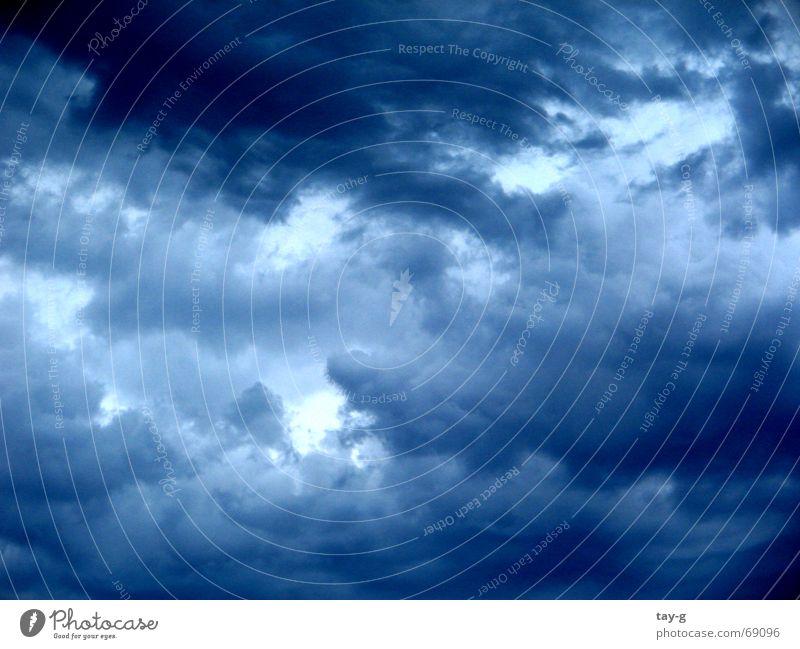 Blaue Wolken Natur Himmel weiß Sonne Erholung Berge u. Gebirge Luft Graffiti Mond Gas Mittag