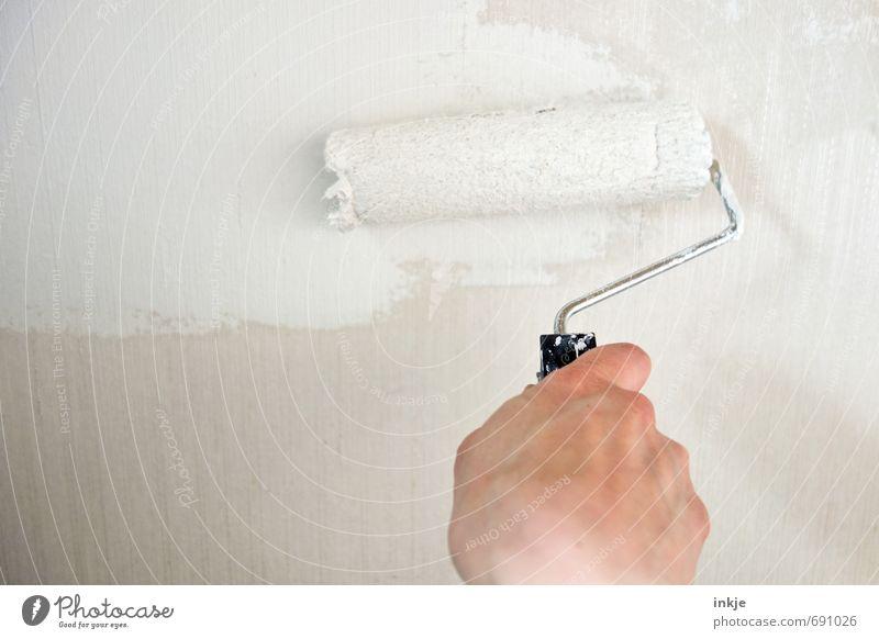 anmalen Mensch weiß Farbe Hand Ferne Wand Farbstoff Mauer Stil hell Arbeit & Erwerbstätigkeit Häusliches Leben frisch neu streichen Beruf