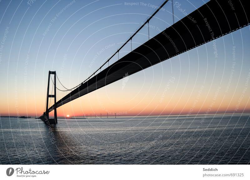 Großen-Belt-Brücke Himmel Ferien & Urlaub & Reisen Wasser Sonne Landschaft Küste Frühling Architektur außergewöhnlich Kunst Stimmung Horizont Zufriedenheit