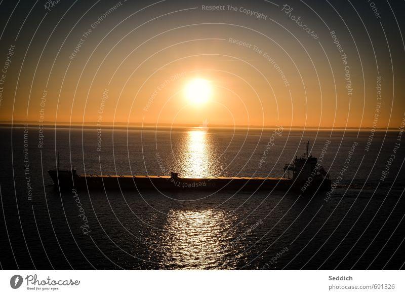 Kahn auf der Ostsee Erholung ruhig Abenteuer Ferne Kreuzfahrt Meer Landschaft Himmel Sonnenaufgang Sonnenuntergang Schönes Wetter Verkehrsmittel