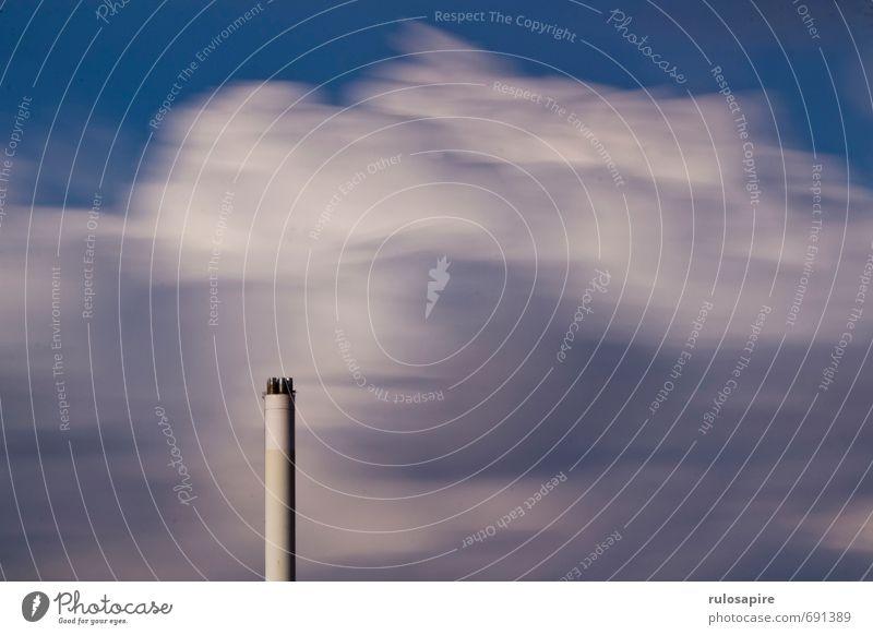 Wolkenschlot Himmel Klima Klimawandel Wetter Flensburg Industrieanlage Fabrik Schornstein Stein Stahl dreckig dünn groß hoch kalt Sauberkeit trist Stadt blau