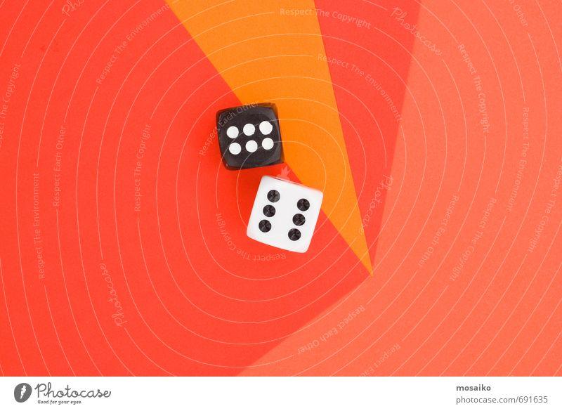Würfel auf orangem Grafikhintergrund Lifestyle Stil Design Glück Spielen Entertainment Erfolg Glückszahl 6 zählen graphisch abstrakt rot Geometrie Farbe schwarz